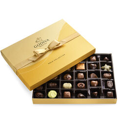 Boîte-cadeau or de chocolats assortis, ruban or, 36 mc.